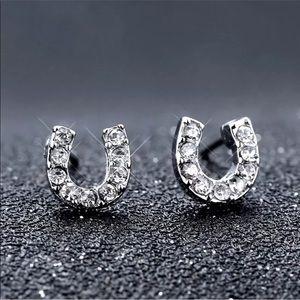 Jewelry - Horseshoe stud earrings